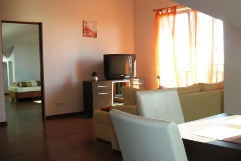 Apartament B18